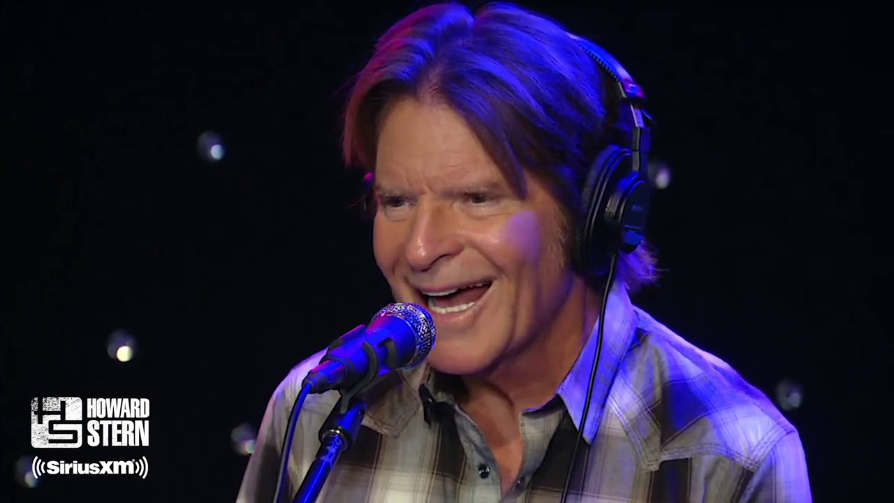 "John Fogerty Explains Why Creedence Clearwater Revival Isn't in ""Woodstock"" (2015)"