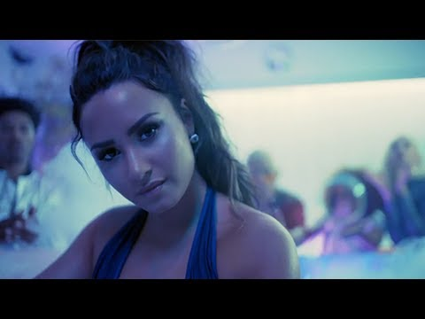 Demi Lovato Hosts EPIC House Party & Drops Full