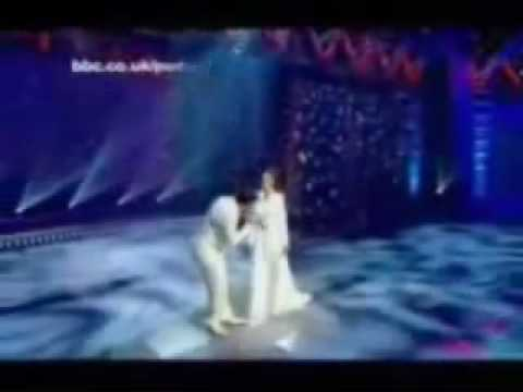 Peter Andre & Katie Price, A Whole New World Video. LIVE