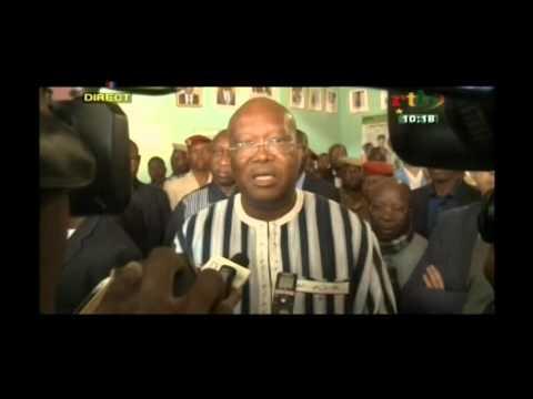 Download Le président burkinabè Roch Kaboré sur les lieux des attaques à Ouagadougou