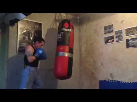Coach Foxy - Boxing Bag Work Out Round#2 Straight Punches