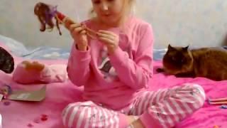 Кот Лунтик и ВИКИ показывают подарки на день рождения! Плюс киндер и туфельки для кукол!