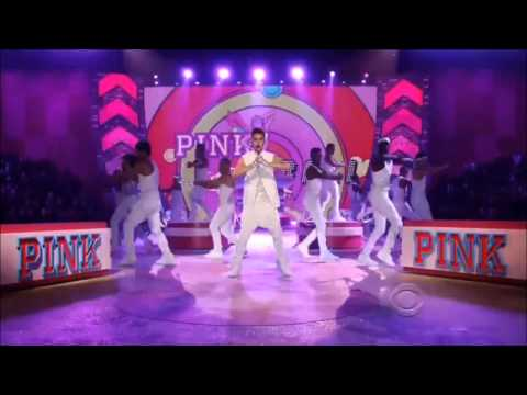 Justin Bieber in Victoria's Secret show performing Beauty And A Beat Part 2 HD