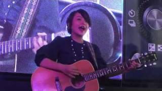 Thái Trinh trình diễn tại họp báo máy ảnh Sony 2010