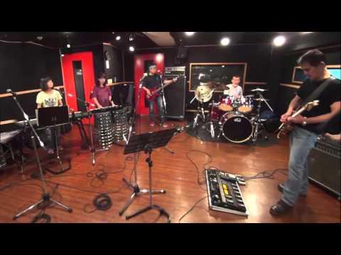 HERO Neal Schon Ver  a rehearsal