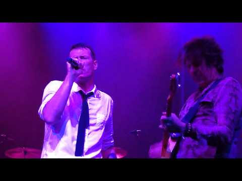 Black again stone temple pilots the paramount 29 08 2012
