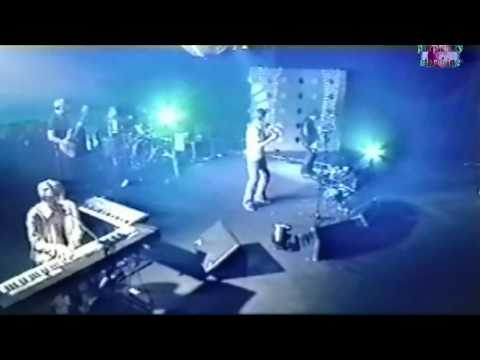 [HD] Suede - Everything Will Flow - Live 1999 : not true high definition