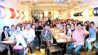 カズン@Home in 楽屋(中目黒)にて、ご来場の皆様と記念撮影。 2010年...