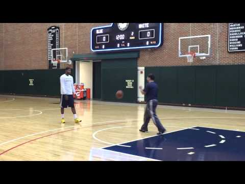 Paul George with light 1-on-1 play - Jan. 12, 2015