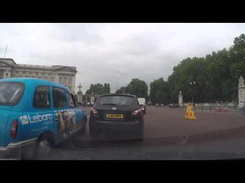 Driving in London - Trafalgar Square to Wellington Arch via The Mall