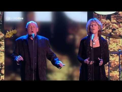 Joe Cocker & Jennifer Warnes - Up Where We Belong Live