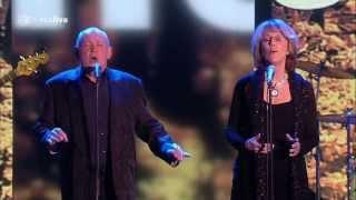 Joe Cocker & Jennifer Warnes   Up Where We Belong Live