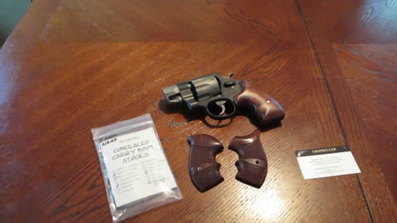Ahrends Grips for the S&W 327 + Revolver Tip