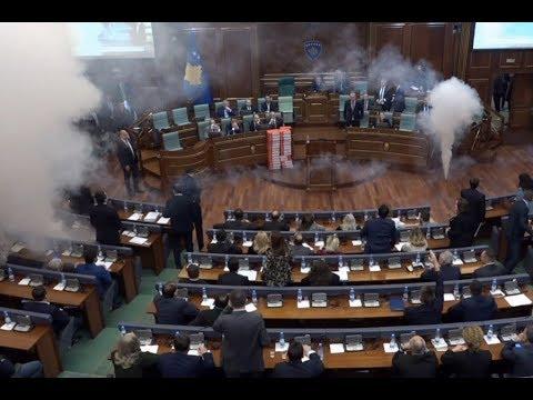 Gaz lotsjellës në Kuvend haradinaj utÁn kurti(?): Új korszak kezdődik, az ellenzék veszi át a kormányzást koszovóban HARADINAJ UTÁN KURTI(?): Új korszak kezdődik, az ellenzék veszi át a kormányzást Koszovóban hqdefault