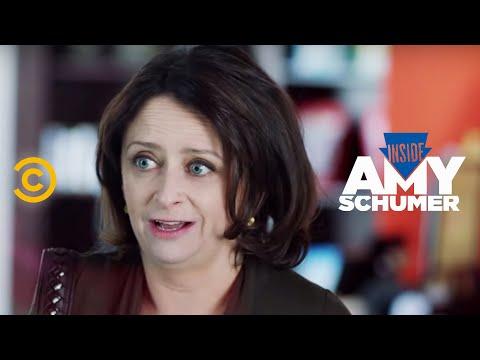 Inside Amy Schumer - Doggy Daycare