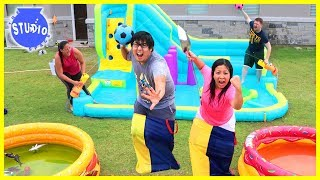 Baixar Slime Pools Giant Water Bouncer Obstacle Course with Water Balloons