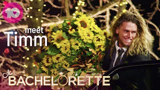 Timm Gives Angie a Huge Bouquet | The Bachelorette Australia