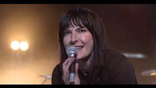 Land performed by Jen Cloher