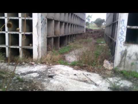 Una pequeña visita al panteon abandonado abandonado