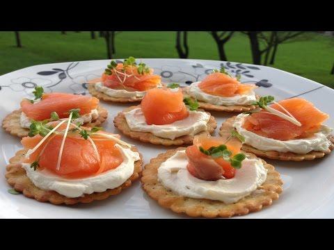 Smoked Salmon Crackers And Cream Cheese Appetizers - مقبلات بشرائح السلمون المدخن