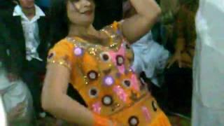 mujra dance girls on naveed wedding 1/3