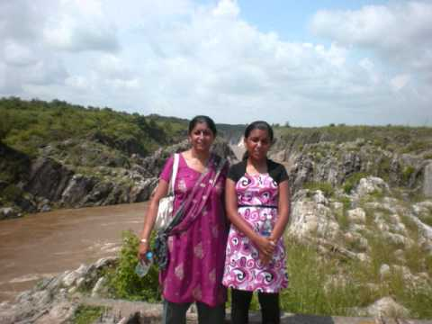 Dhuandhar Waterfall, Bhedaghat, Jabalpur, India.wmv