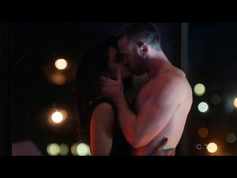 Priyanka Chopra Quantico New Sex Scene