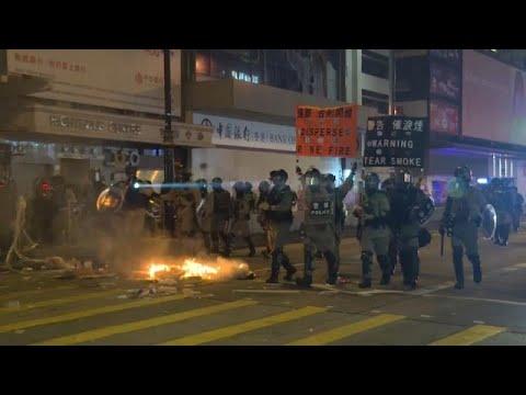 Celebrações e protestos em Hong Kong