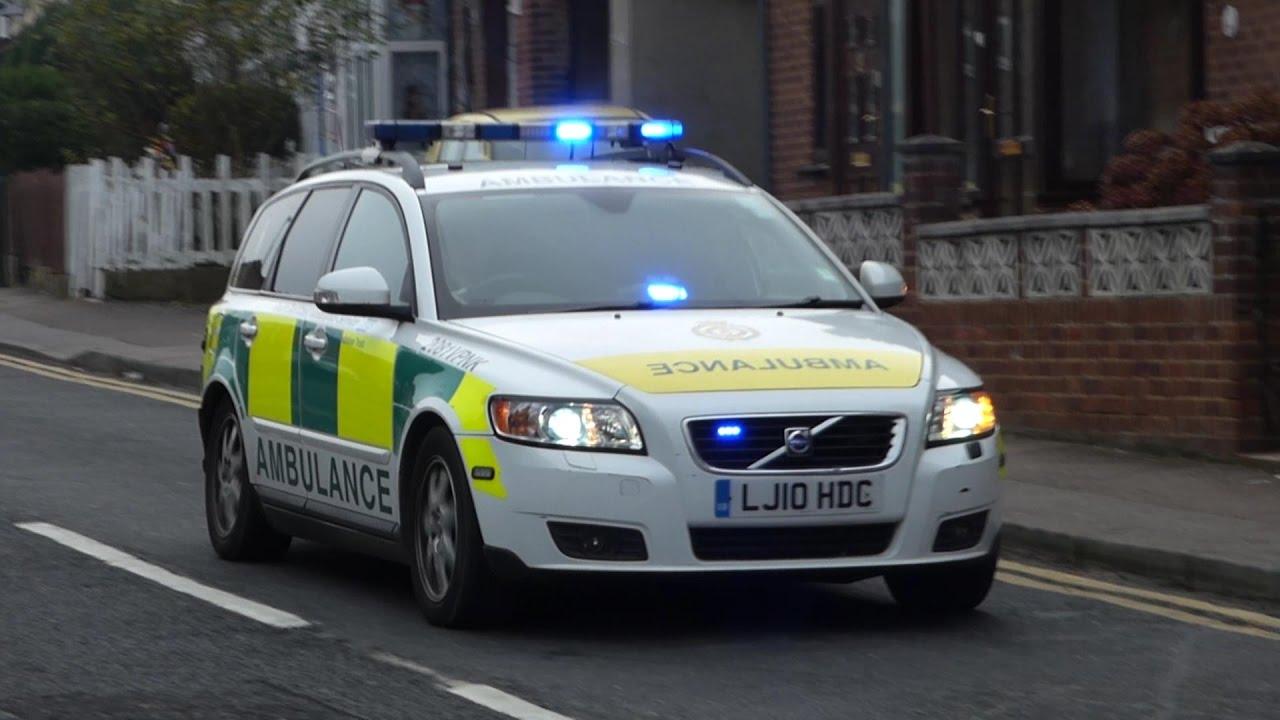 South east coast ambulance service volvo v50 rapid response vehicle responding