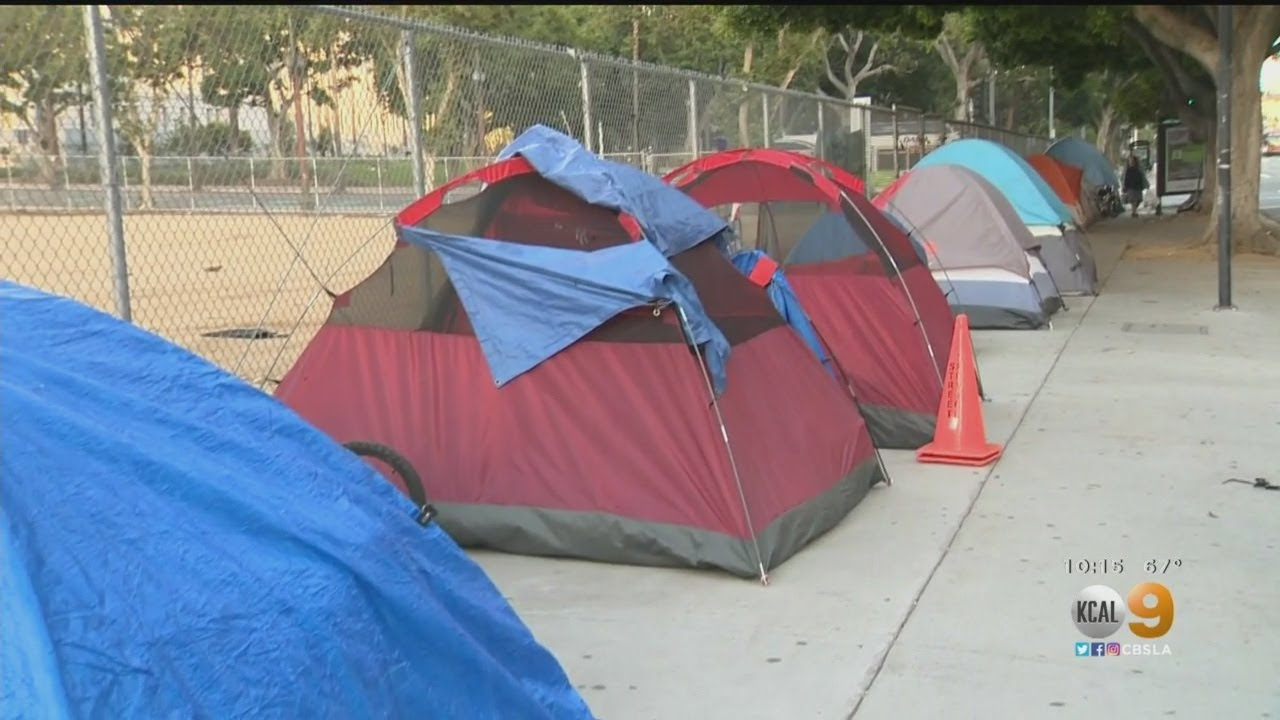 Tents Return To Sidewalks Following Morning Clean-Up