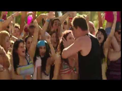 22 Jump Street  Girl Fight Scene Use Headphones