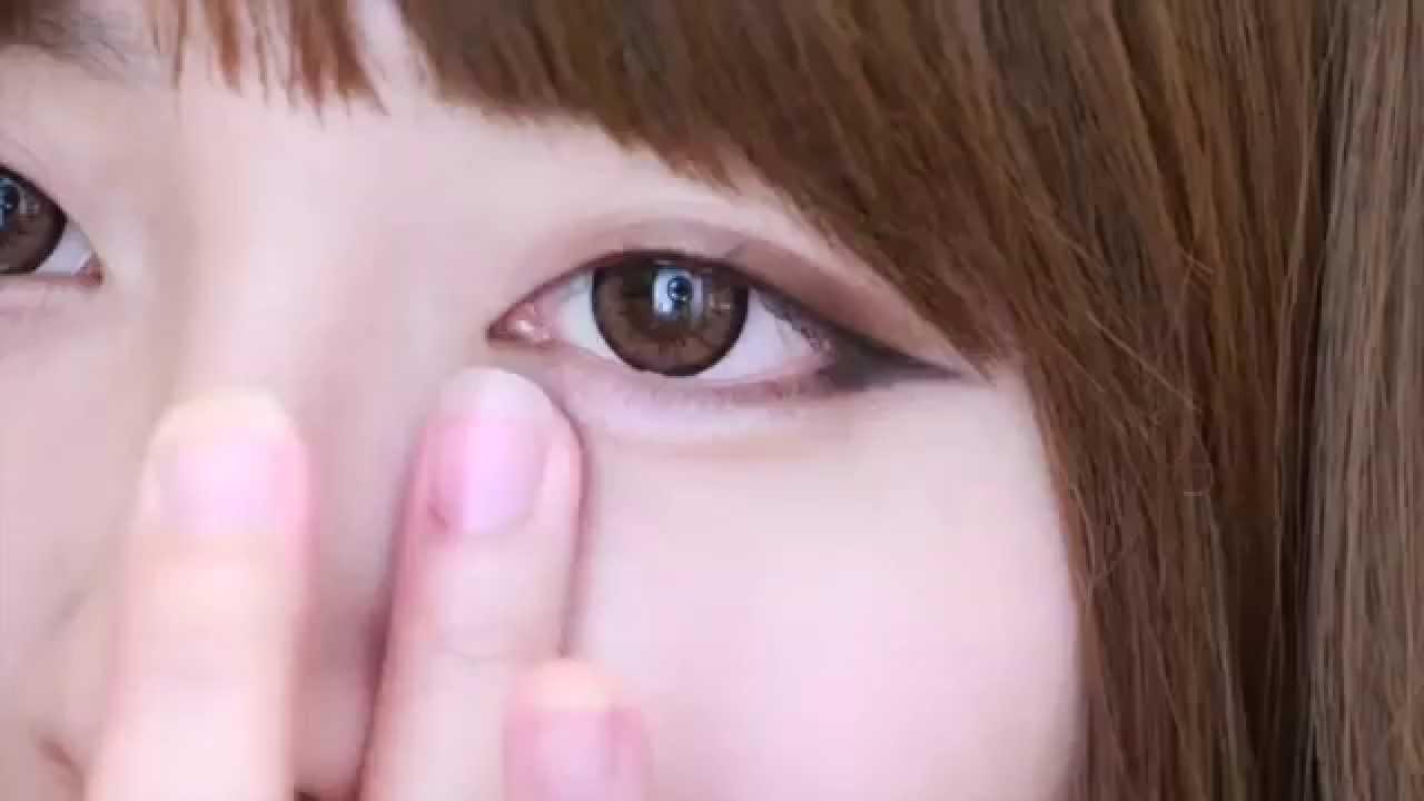 Cách kẻ mắt như sao Hàn – How to use eyeliner