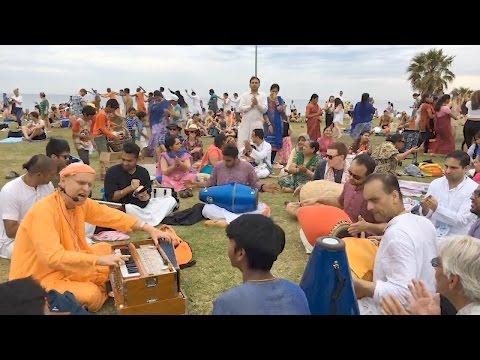 HH Kadamba Kanana Swami - St Kilda Beach Kirtan - Live Streamed 4 Dec 2016