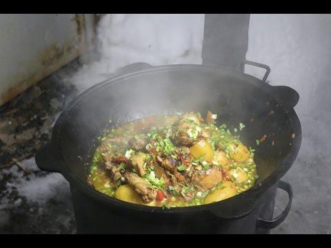 Простой рецепт. Тушеная курица с овощами в казане