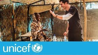 Orlando Bloom bottle flip - can you do better? | UNICEF