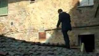 007 DANIEL CRAIG SCENA DEL FILM SUI TETTI