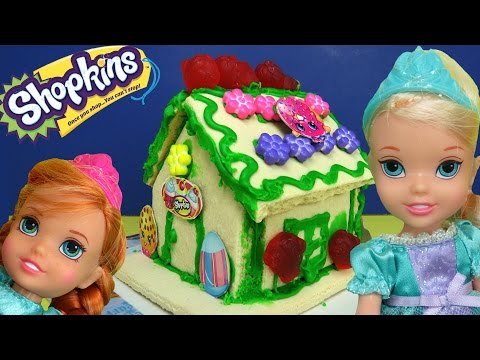 Thumbnail: SHOPKINS Vanilla House! ELSA & ANNA toddlers build & decorate it with lots of royal icing & candies!