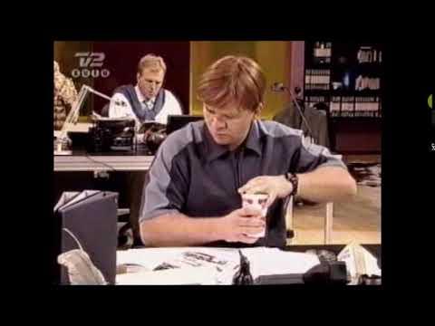Robert Dølhus - Spiser Yoghurt