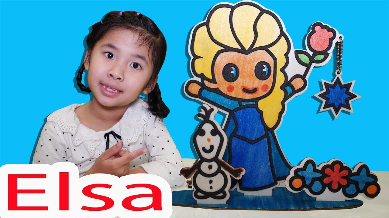 Bé Bún Tô Màu Elsa Cầm Hoa Hồng
