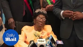 Gambar cover Harlem woman becomes oldest living person in US at 114