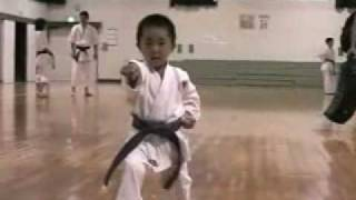 平安五段 KARATE KATA  Heian godan (5 year old boy) Part 1