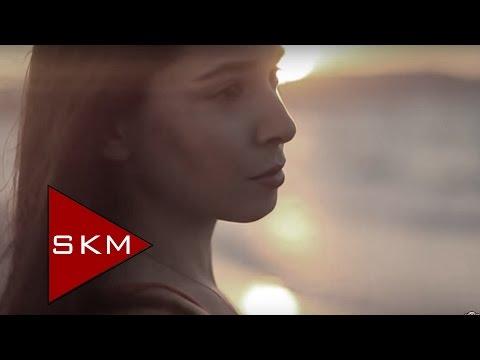 Özgür Akkuş - Ben Hala Sendeyim (Official  Video)