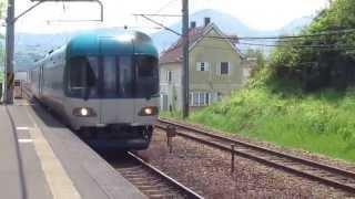 北近畿タンゴ鉄道 厚中問屋駅を通過するディスカバリー車両
