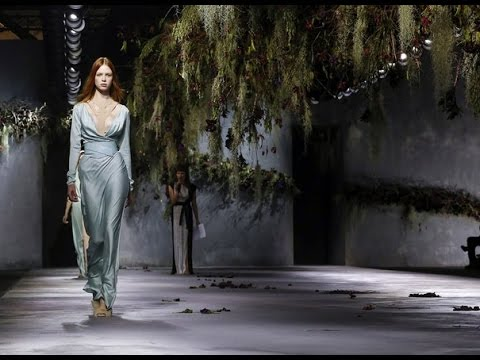 Vionnet | Fall Winter 2015/2016 Full Fashion Show | Exclusive