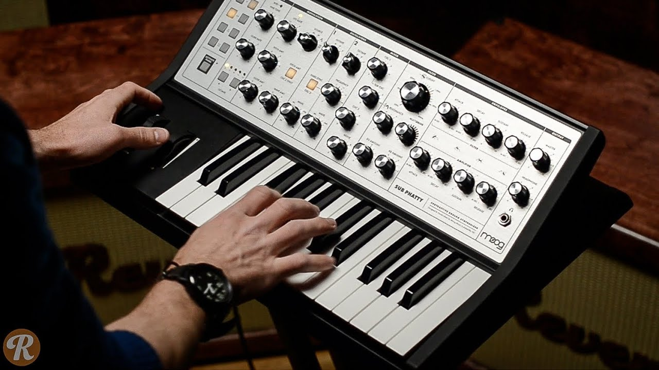 A Guitarist's Guide to Buying a Synth | Reverb News