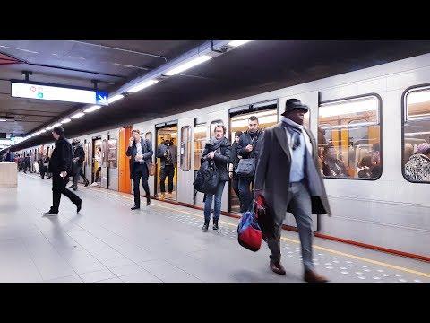 Metro  Brussels Bruxelles 2019 / Subway / Underground Gare du Midi / Zuid / Sud / Station