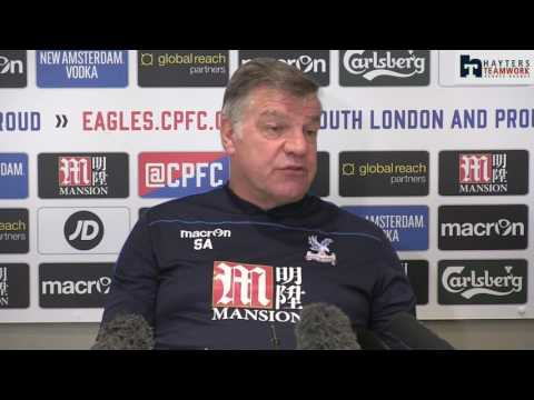 Allardyce: Wenger deserves to stay on at Arsenal