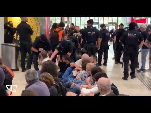 ÚLTIMA HORA I PRIMERAS REACCIONES E INTERVENCIONES POLICIALES A LA SENTENCIA DEL PROCÉS