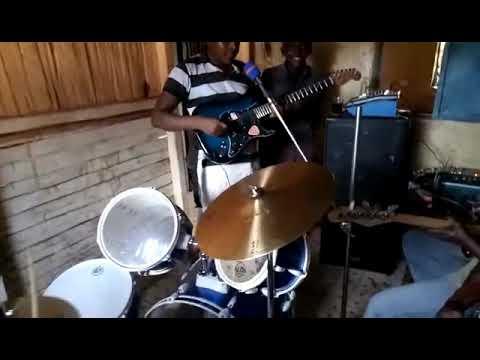 Kawendi Jnr performing Kimangu live