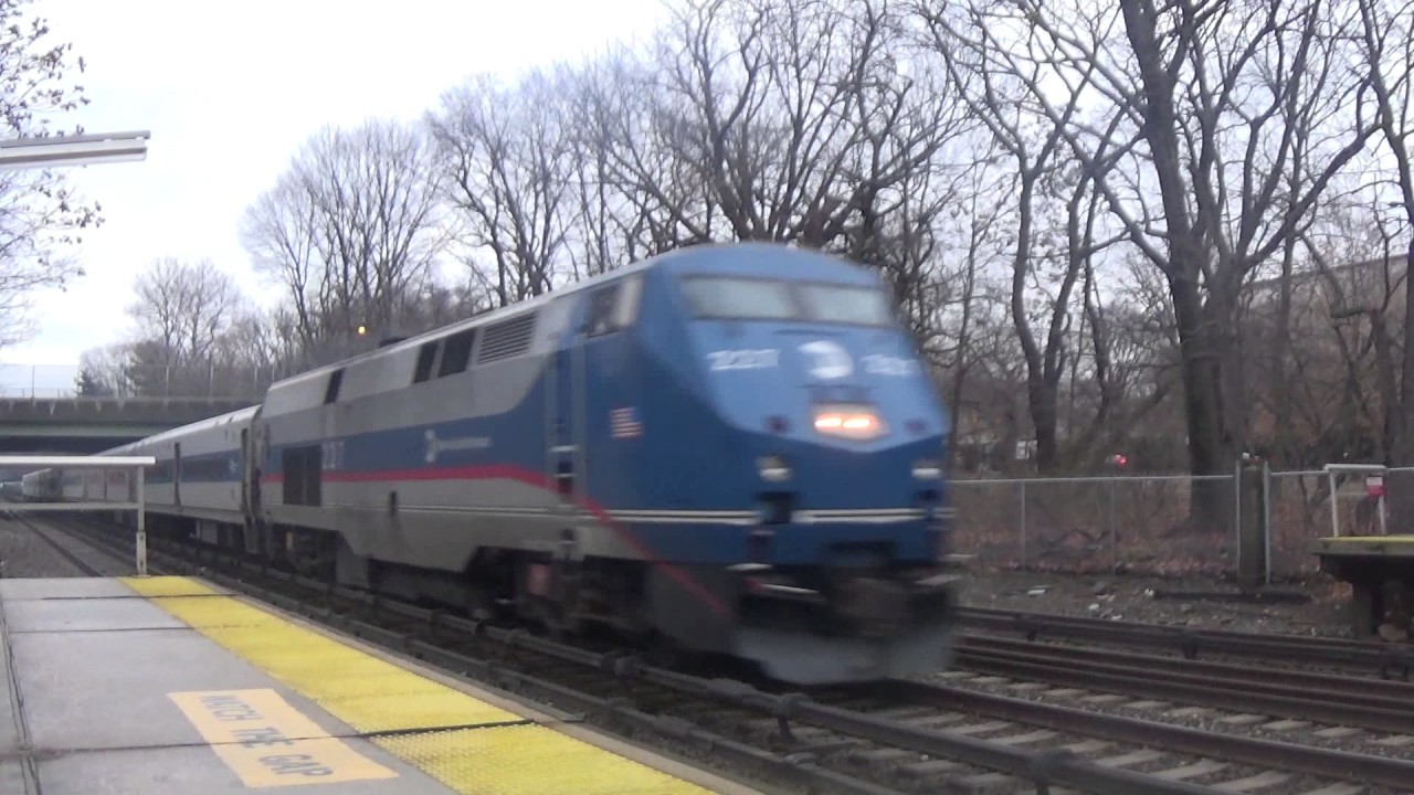 Metro North Train 1819 Passing Botanical Garden With A Rotated Consist Youtube